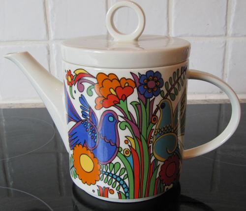 Magic portal teapot